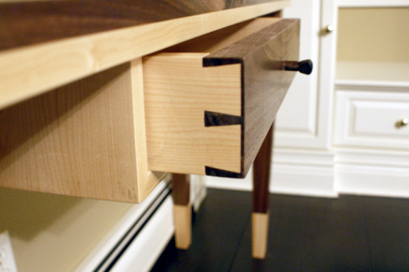 walnut_maple_console_1_drw3